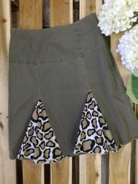 Дамска пола с леопардов принт